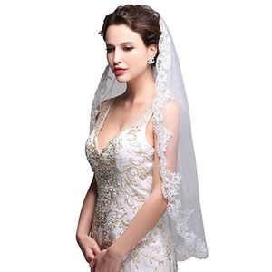 Accessories - Lace Wedding Veil with Comb
